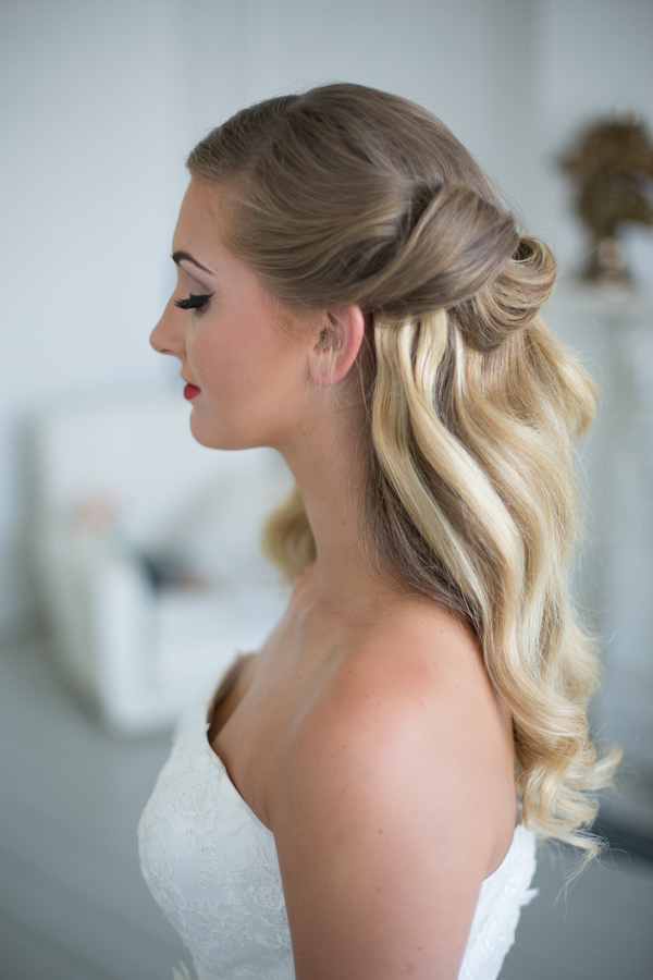 Images: Anna Marie Cooper, Dress: Charlotte Balbier, bridal beauty look, team glam
