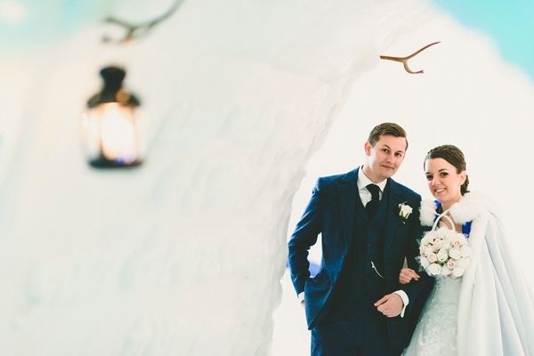 lapland-wedding-snowy-wedding-rob-grimes-hotography-destination-wedding-LUVATTUMAA- Ice-Chapel-Levi-Lapland (66)