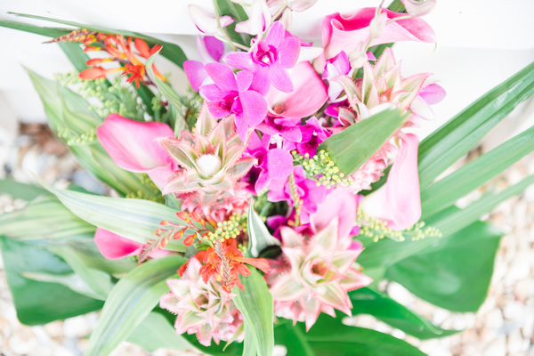 floristry tarnia williams, tropical wedding, tropical wedding styled shoot, hannah mcclune photography, stoke place