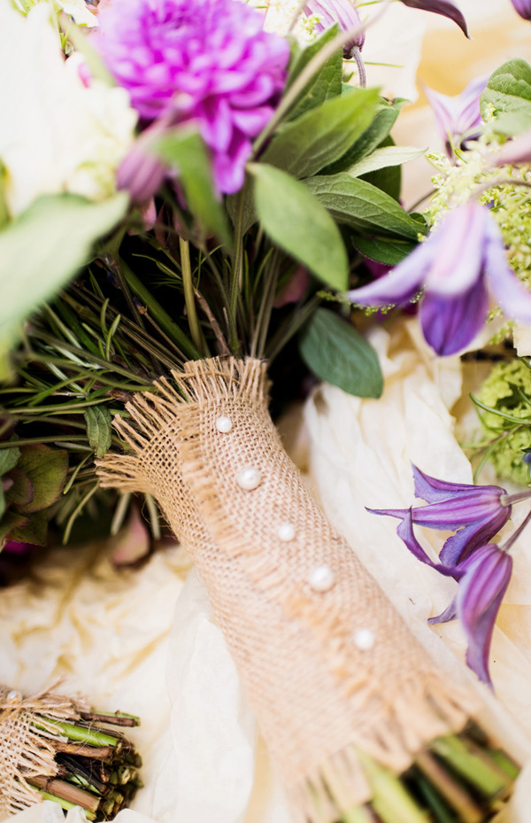 howling-basset-photography-barn-wedding-kent-wedding-rustic-details-purple-details-winters-barns-canterbury (40)