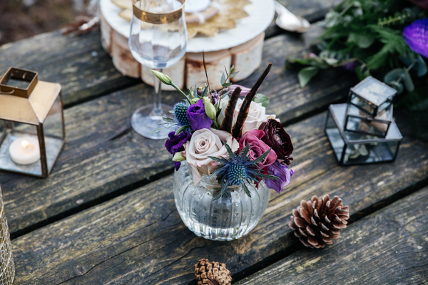 jess-yarwood-photography-woodland-wedding-inspiration-feather-wedding-details-thistle-wedding-details-cream-and-gold-wedding-palette (57)