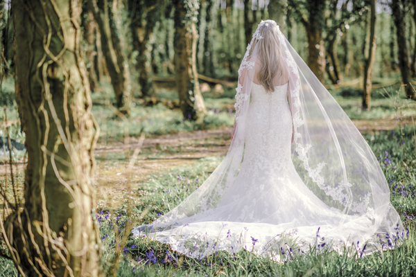 Sarah-Brabbin-Photography-Ian-Stuart-Wedding-Dress-Applewood-Weddings-Woodland-Wedding-Fairytale-wedding (17)