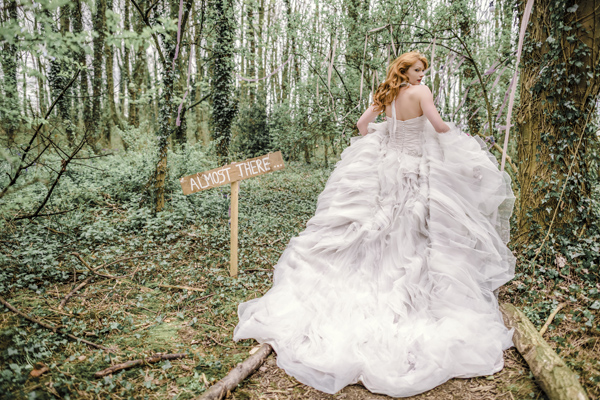 Sarah-Brabbin-Photography-Ian-Stuart-Wedding-Dress-Applewood-Weddings-Woodland-Wedding-Fairytale-wedding (2)