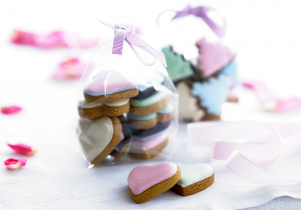 wedding-favourbags, Biscuiteers, wedding-biscuit, hand iced biscuits , wedding collection