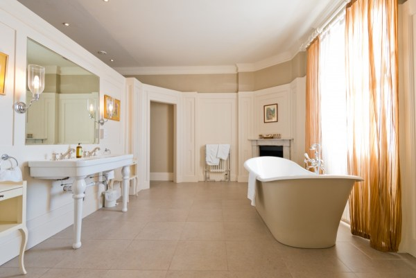 hodsock-priory, bridal-suite-bathroom