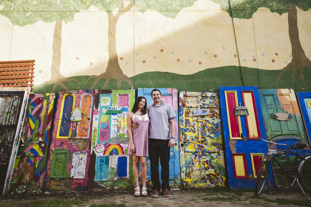 Randyland-Pittsburgh-Landmark-Sandra-Chile-Photography-Pittsburgh-Engagement-Schoot-Colourful-Engagement-Shoot 7