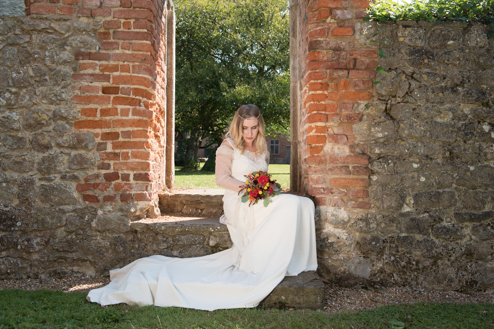 the-robing-room-westernhanger-castle-yvette-craig-photography-the-wedding-flower-company-10