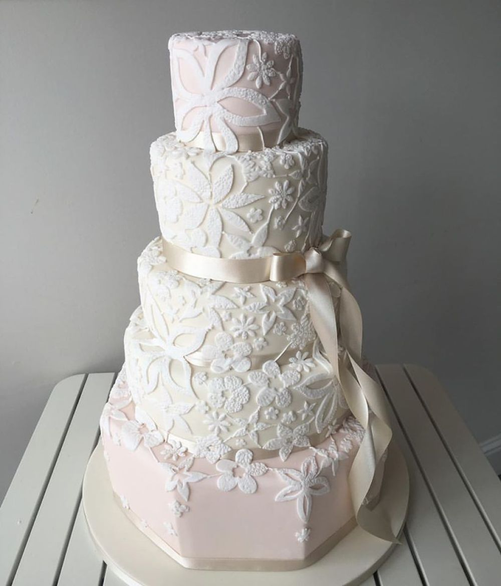 liggys-cake-company-edinburgh-wedding-cakes-glasgow-wedding-cakes-bespoke-wedding-cakes-artisan-wedding-cakes-artisan-cake-boutique