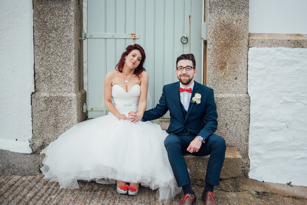 liberty-pearl-photography-cornwall-wedding-porthleven-wedding-red-and-blue-wedding-colour-palette-33