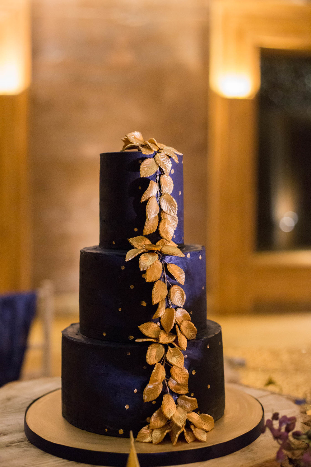 starry-night-themed-wedding-starry-night-themed-shoot-navy-and-gold-wedding-palette-laura-grace-photography-161