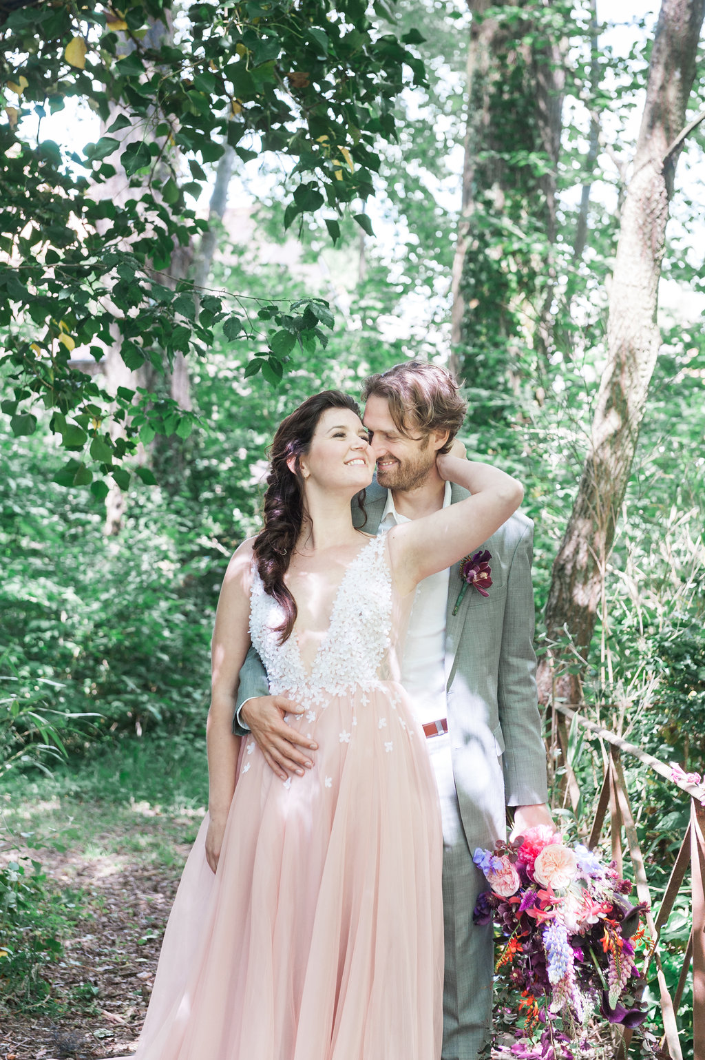 Dark Fairytale inspired Wedding - Wit Photography - Isle de L'Authie France - woods - pink wedding dress - Unielle Couture - flowers by edenique floral design