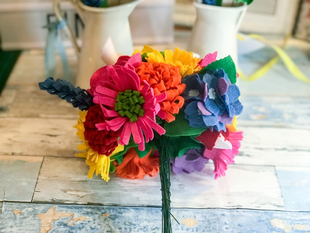 colourful wedding accessories - felt creations - felt wedding decor - Felt'n'Fings