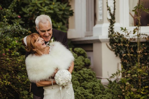 An elegant Dublin Wedding with pretty white details and a hint of sparkle