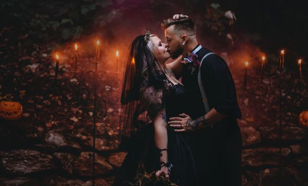 A hauntingly romantic Halloween Wedding with glowing pumpkins, magical forests and gorgeous spooky details