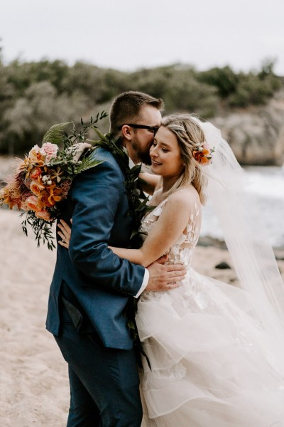 Beachside Hawaiian Elopement with pretty navy and peach detailing