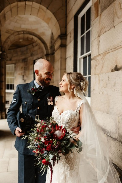 A stunning intimate Edinburgh Wedding with beautiful burgundy and red tones at the Signet Library