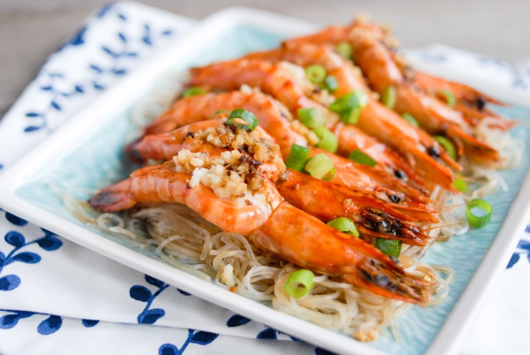 Steamed Garlic Shrimps with Vermicelli Noodles