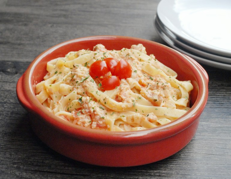 Crab Meat and Tomato Pasta