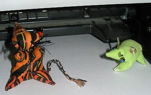 TigerCat vs Alien Bug Sarubobo