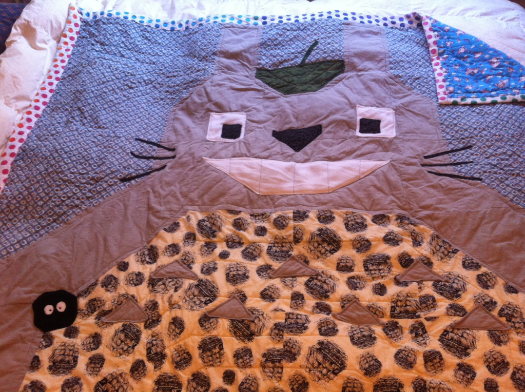 Craftster Pick of the Week – Speks' Totoro Quilt!