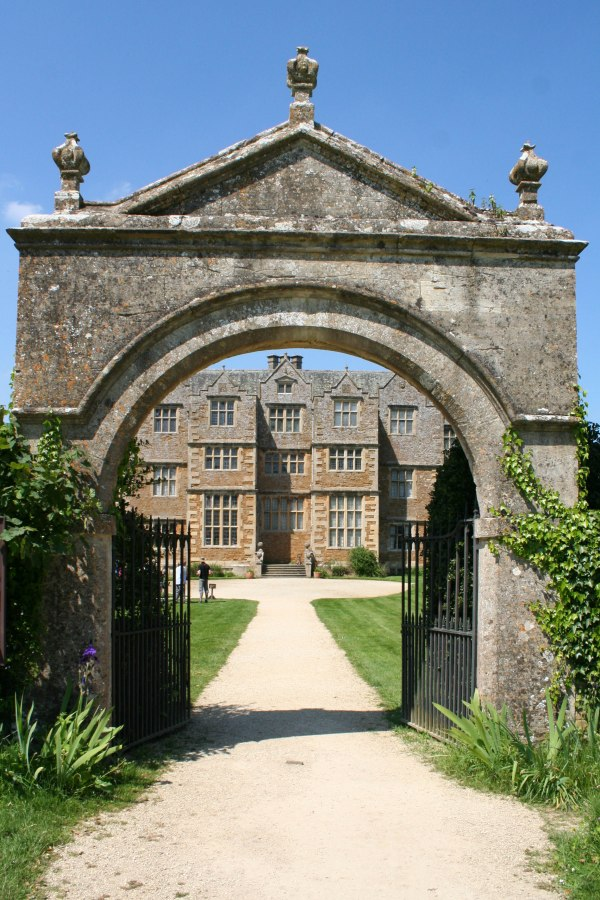 Chastleton House - National Trust (by Ruth Singer)