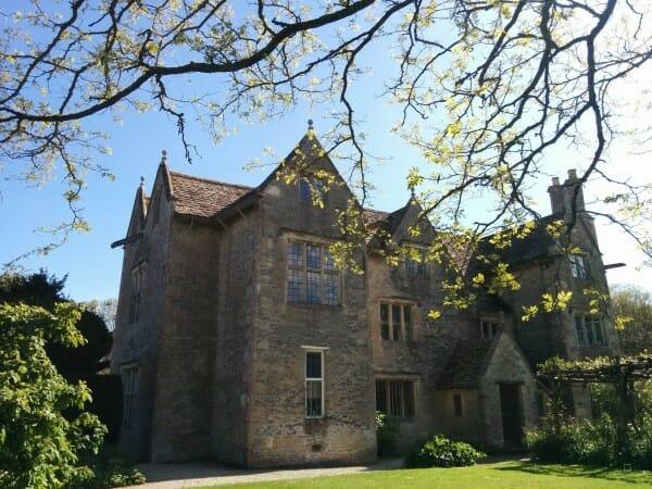 Pinning The Past – William Morris