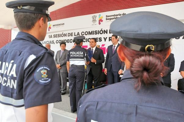 POLICIAL 2_Fotor