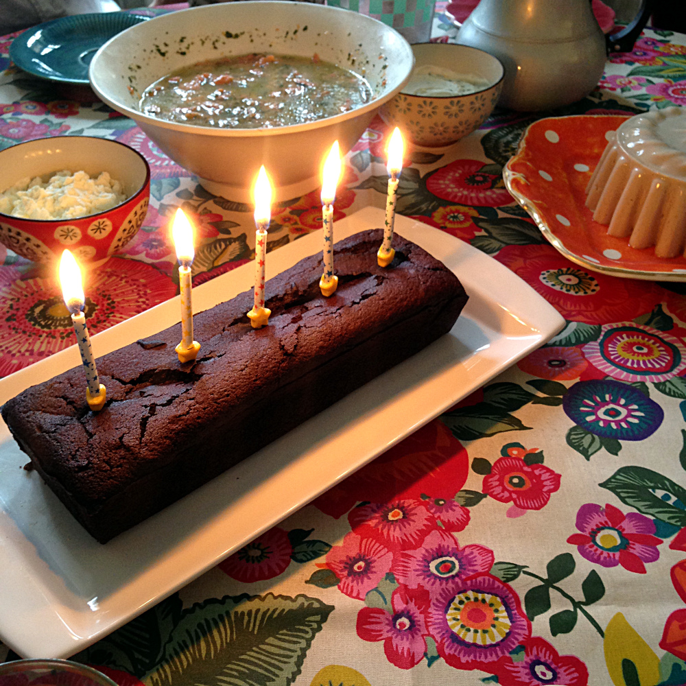 Dark Chocolate Fondant Birthday Cake Recipe