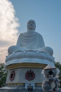 Avec mon ami le grand Bouddha blanc à Nha Trang
