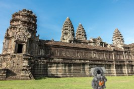 Devant Angkor Wat