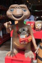 A Bangkok au marché de Chatuchak, j'ai retrouvé E.T. : il a pris quelques rides