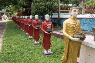 Avec mes amis les moines. Pas très causants ceux-là.