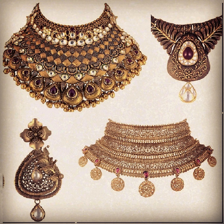 Gold rush! Weddings are around the corner and this year the hautest jewellery trend are gorgeous choker style neck pieces that will accentuate any bridal outfit. Make a royal statement with these traditional Indian designs that are crafted in pure gold and are infused with precious rubies, diamonds and pearls. These are some of our top picks from the newly opened Sunar jewels store in Mehrauli that took our breath away, and we definitely recommend you to go take a look at this collection. #sunar
