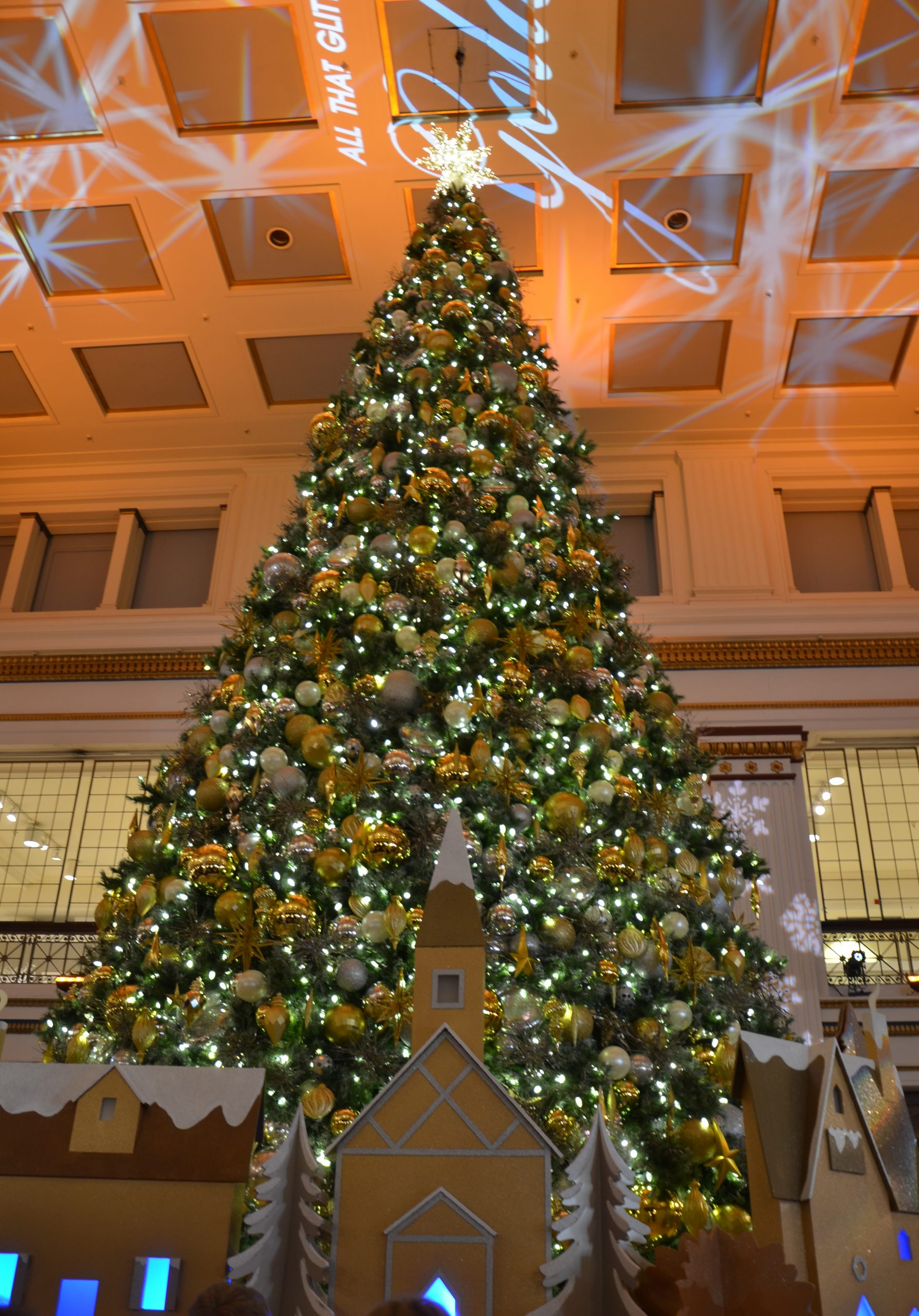 Chicago Holiday Memories - Ms. Mae Travels