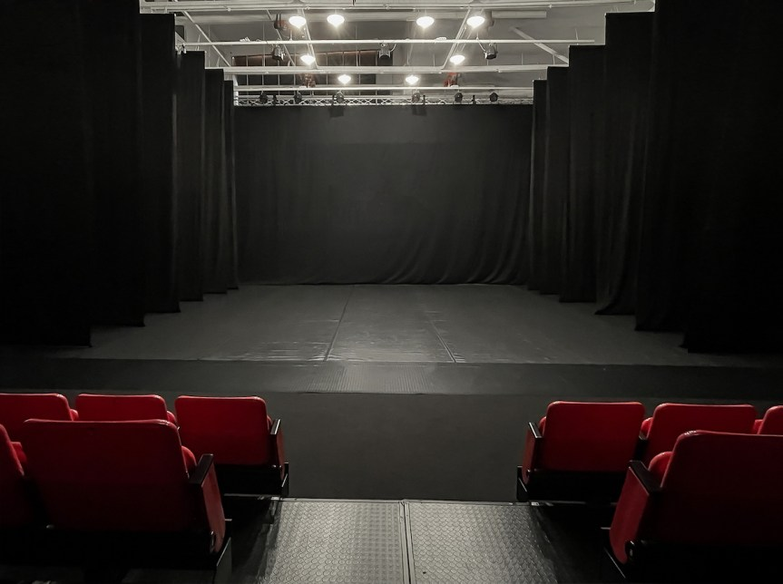 Mvula_Sungani_Physical_Dance_Studios_Black_Box