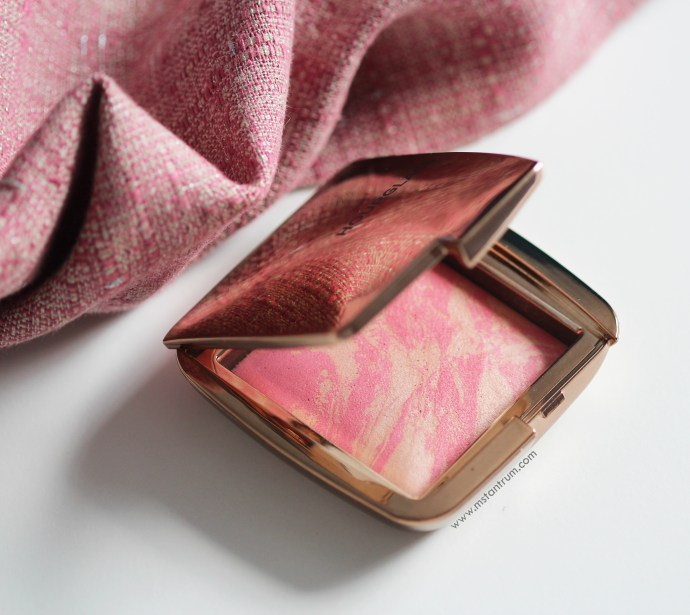 Hourglass Ambient Lighting Blush - Luminuous flush