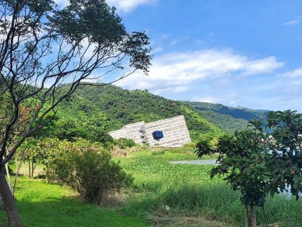 The best things to do in Yilan Taiwan are all about historic towns, hot springs, nature in mountains and by the sea.