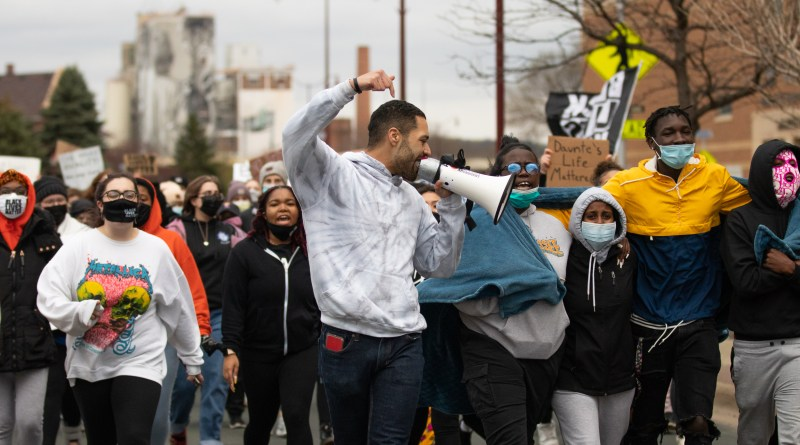 Mankato community, students rally for Daunte Wright after police shooting