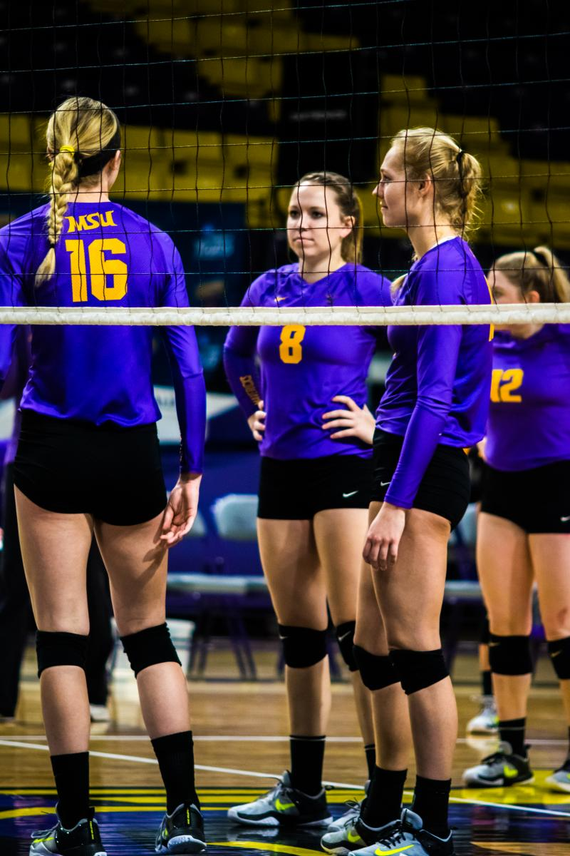 10-21 Volleyball vs. Wayne State 1
