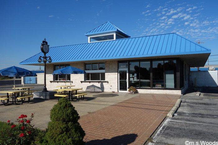 hilligoss-bakery-exterior-photo-brownsburg