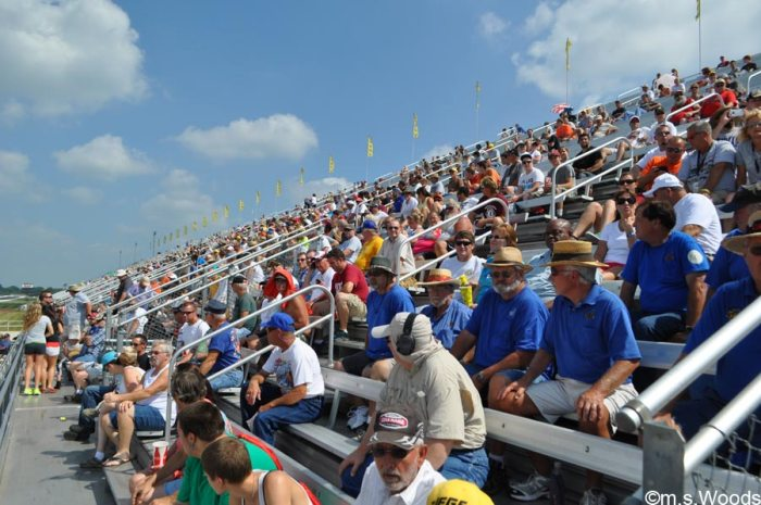 lucas-oil-raceway-crowd-brownsburg