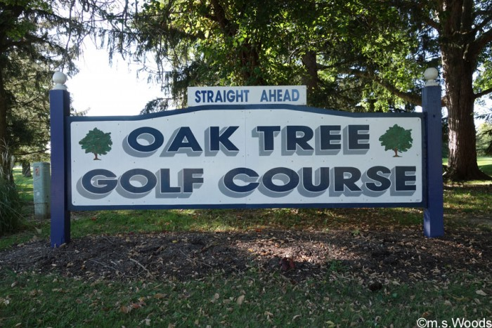 oak-tree-golf-course-sign-plainfield