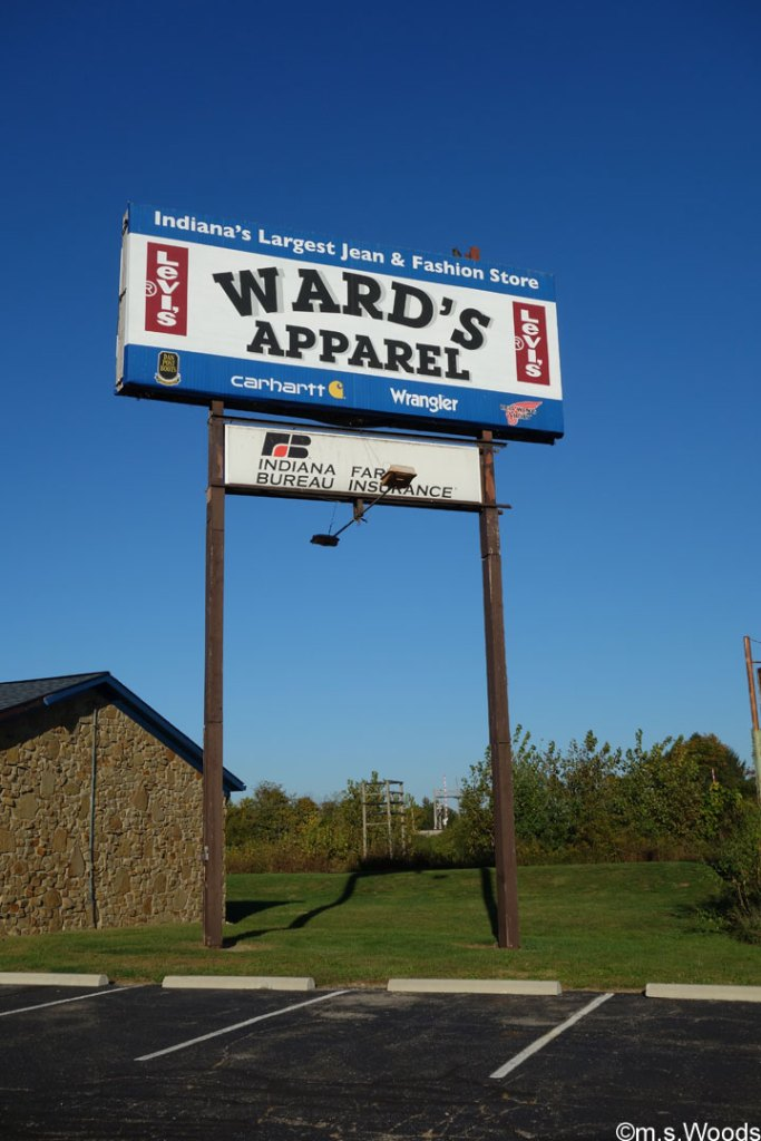 wards-apparelsign--mooresville