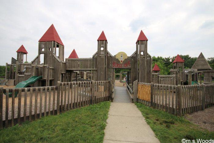 williams-park-shelter-blast-off-playground-brownsburg