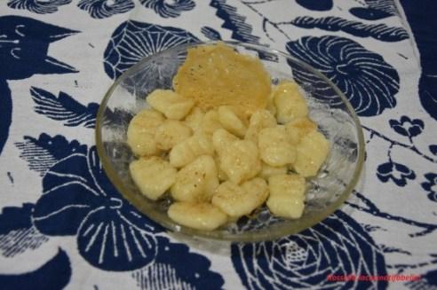27.Gnocchi di patate con zucchero, cannella e cialda di Parmigiano Reggiano di Rossella