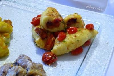 76. Gnocchi di patate ripieni con prugne aromatiche con pomodorini freschi di Manu