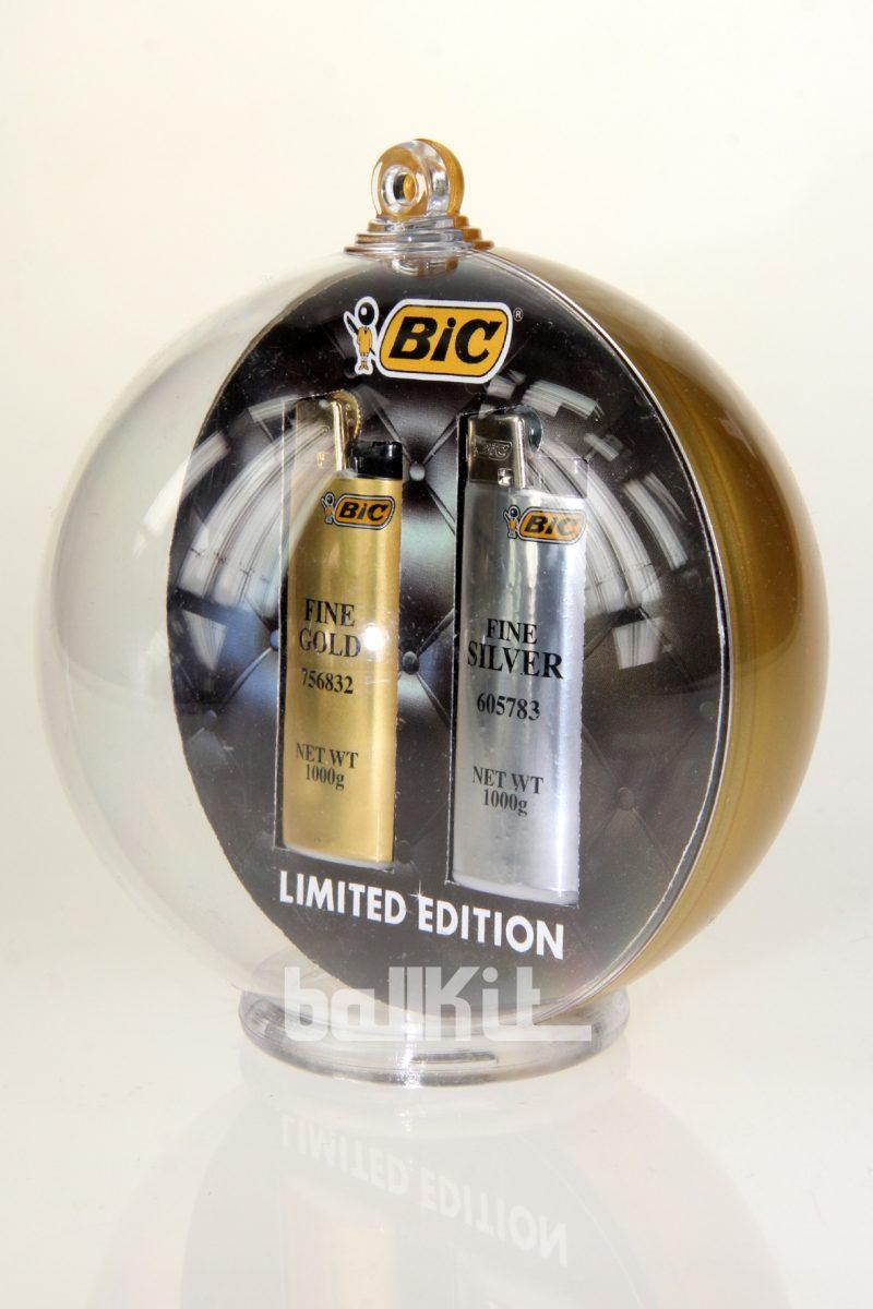 Boule bicolore or et briquets en suspension