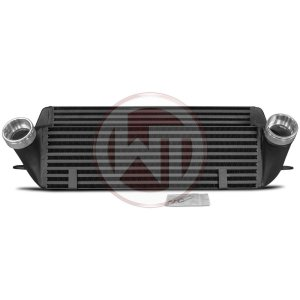 Comp. Intercooler Kit BMW E Series N47 BMW Serie 3 E90/91/92/93 BMW 3er E90 200001039 wagner wagnertuning mondotuning mtelaborazioni Competition Intercooler Kit for N47 engines fits into:BMW 120d (130KW/177PS) E81/E82/E87/E88  (2007-2013)BMW 123d (150KW/204PS) E81/E82/E87/E88  (2007-2013)BMW 320d (120-135KW/163-184PS) E90/E91/E92/E93  (2008-2012)This Competition Intercooler has the following core size (520mm x 200mm x 100mm / stepped = 8.110 cm¶ü )
