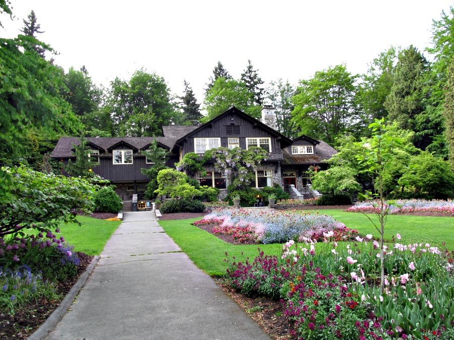 май в Ванкувере
