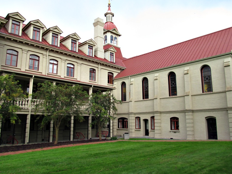 Академия святой Анны